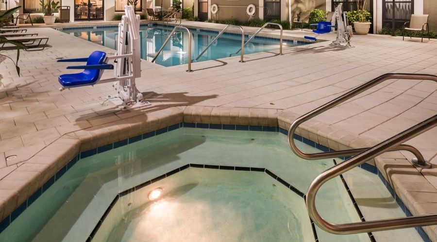 Hampton Inn & Suites Orlando/East UCF Area, FL-30 of 45 photos