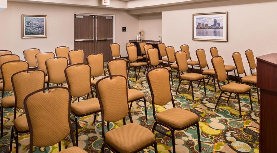 Hampton Inn & Suites Orlando/East UCF Area, FL-34 of 45 photos