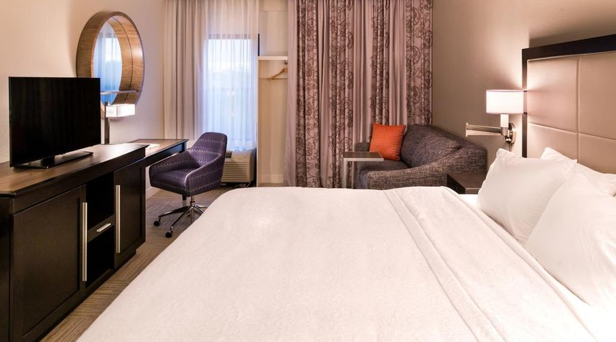Hampton Inn & Suites Orlando/East UCF Area, FL-39 of 45 photos