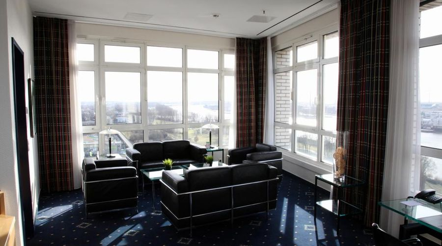 Holiday Inn Hamburg-40 of 44 photos