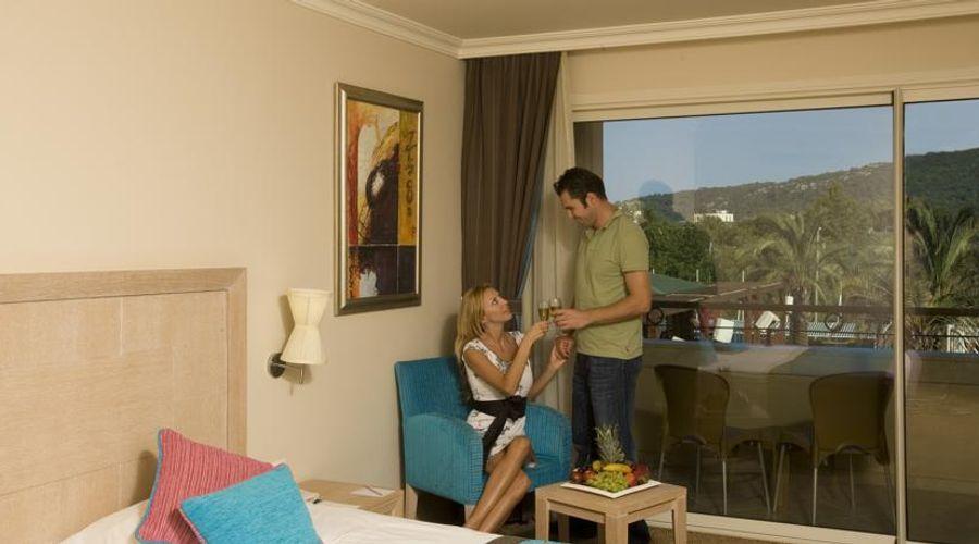 Crystal De Luxe Resort & Spa – All Inclusive-12 of 68 photos