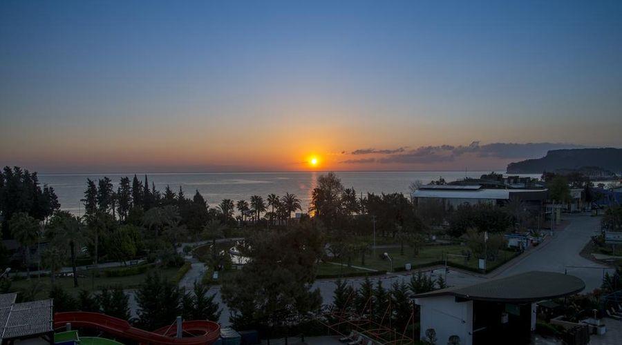 Crystal De Luxe Resort & Spa – All Inclusive-3 of 68 photos