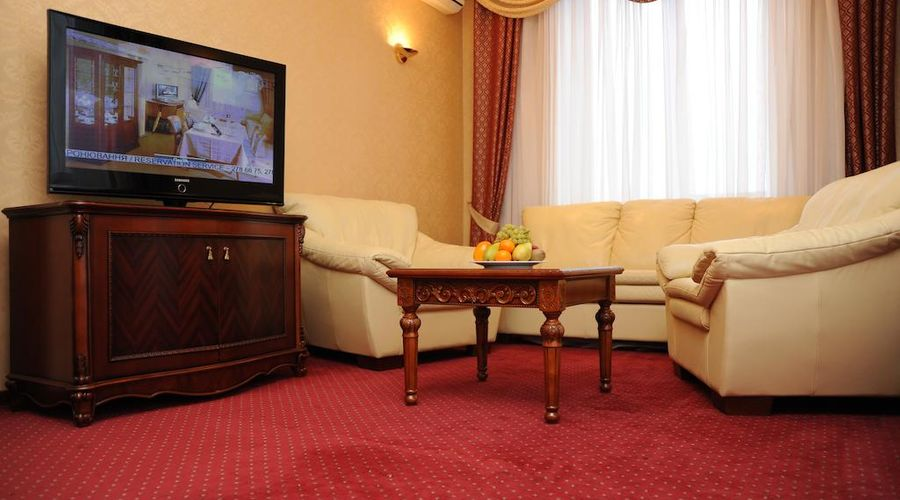 Hotel Ukraine-11 of 31 photos