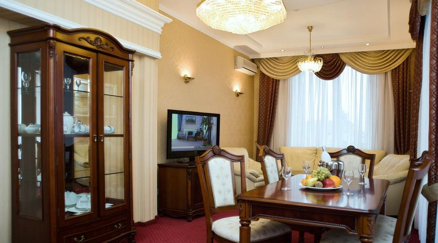 Hotel Ukraine-10 of 31 photos