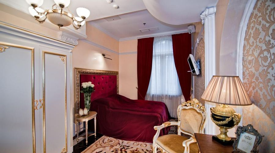 Royal Hotel De Paris-33 of 48 photos