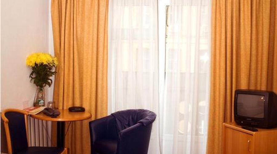 Express hotel-11 of 31 photos
