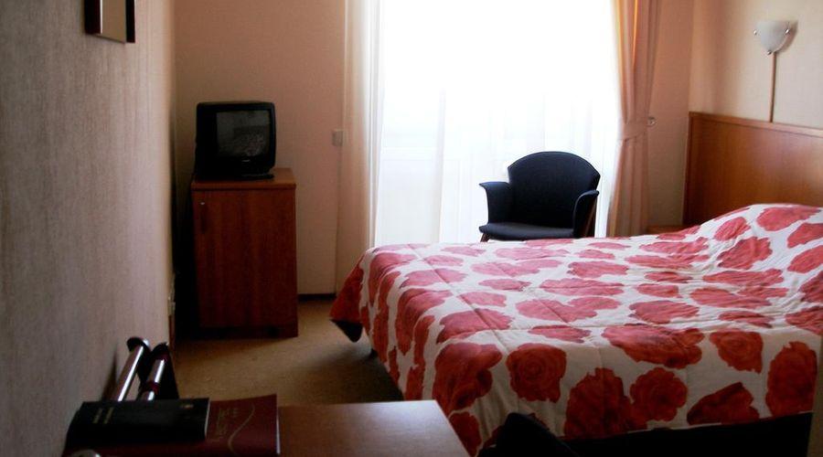 Express hotel-26 of 31 photos