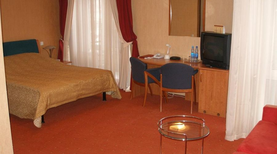 Express hotel-27 of 31 photos