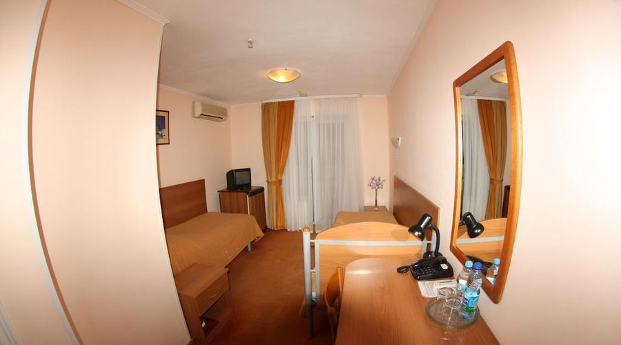Express hotel-16 of 31 photos