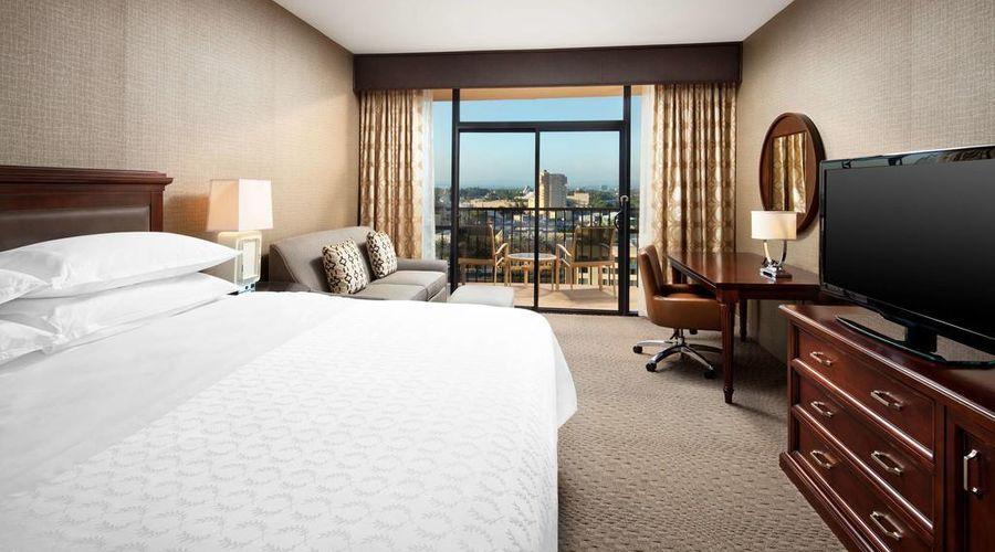 Sheraton Park Hotel at the Anaheim Resort-11 of 35 photos