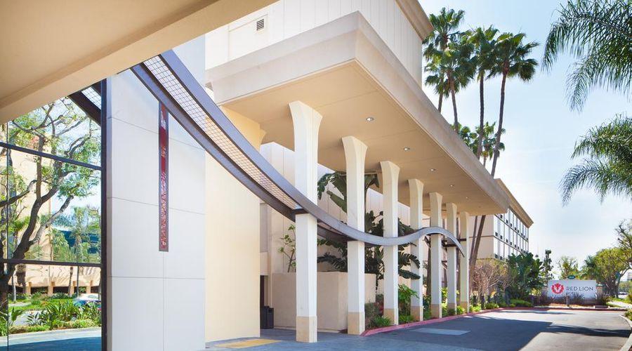 Red Lion Hotel Anaheim Resort-2 of 48 photos