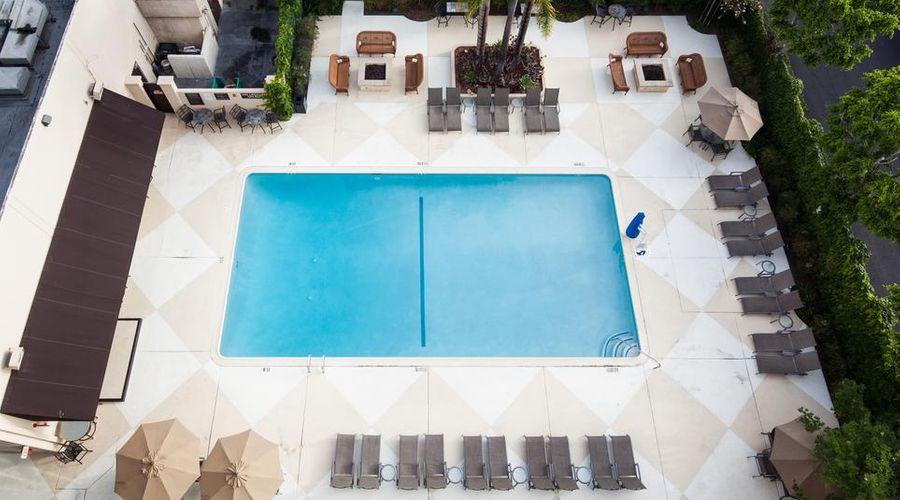 Red Lion Hotel Anaheim Resort-22 of 48 photos