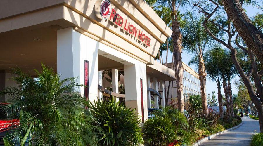 Red Lion Hotel Anaheim Resort-3 of 48 photos