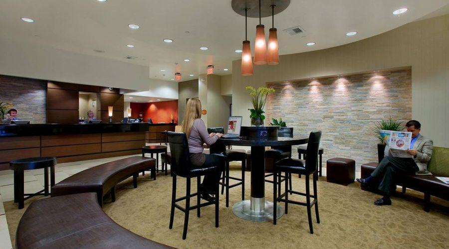 Red Lion Hotel Anaheim Resort-38 of 48 photos