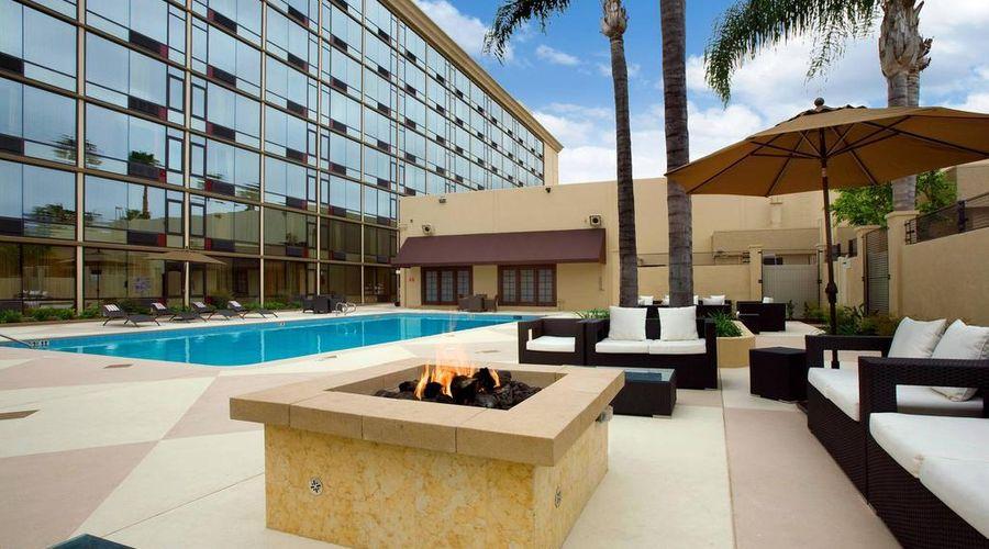 Red Lion Hotel Anaheim Resort-39 of 48 photos