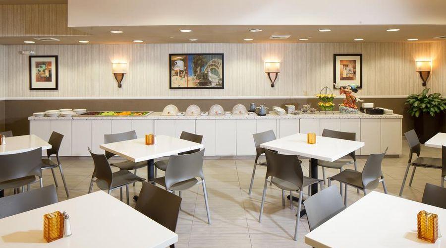 Red Lion Hotel Anaheim Resort-42 of 48 photos