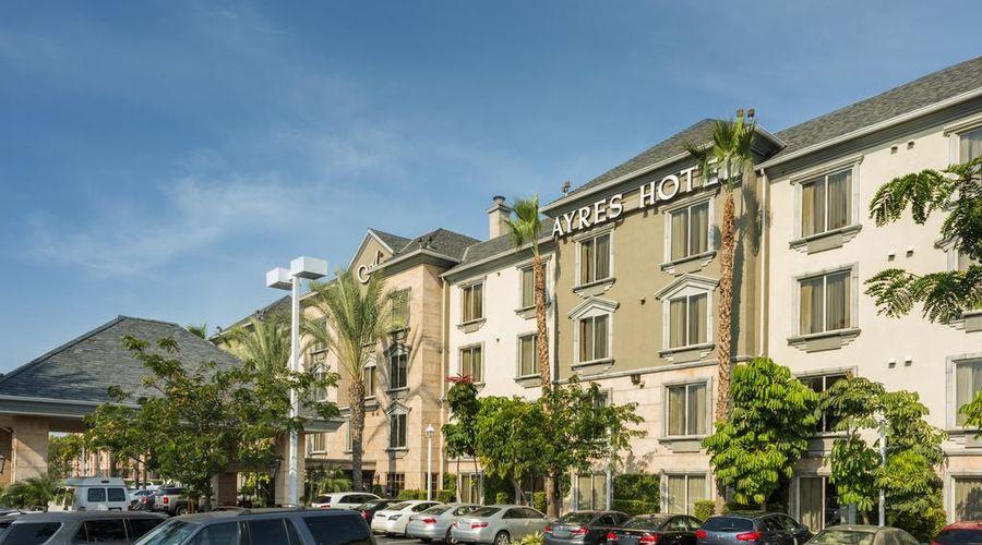 Ayres Hotel Anaheim-1 of 31 photos
