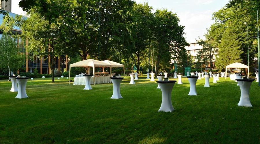 Crowne Plaza Hotel Bucharest-15 of 45 photos