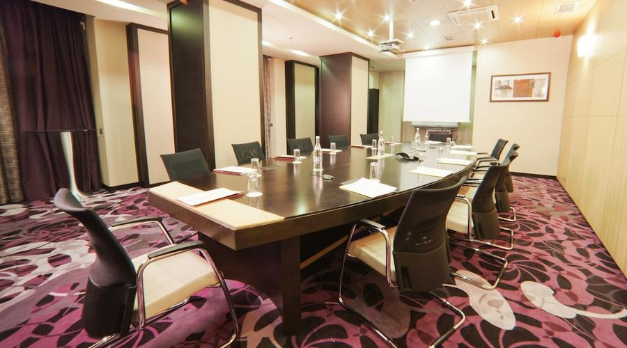 DoubleTree by Hilton Bucharest - Unirii Square-10 of 33 photos