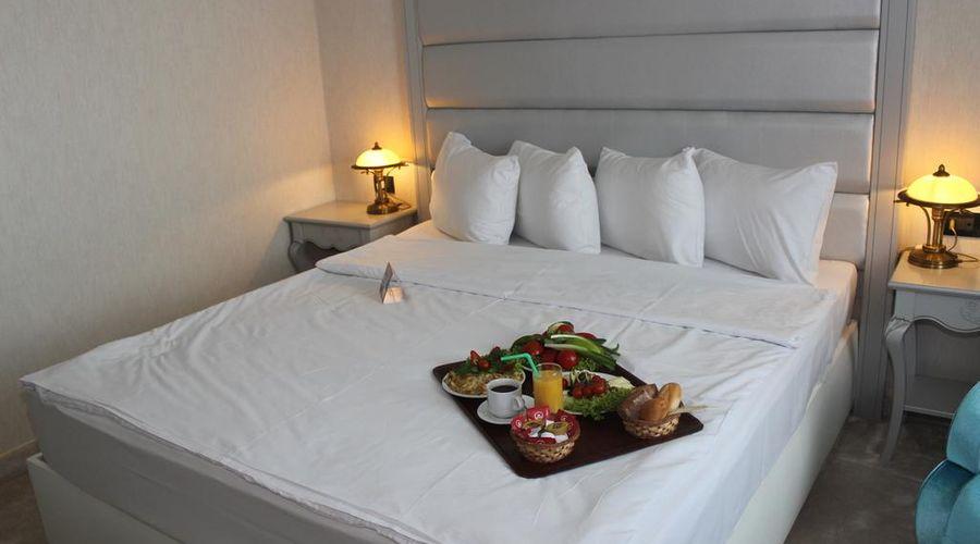 Phoenicia Grand Hotel-11 of 47 photos
