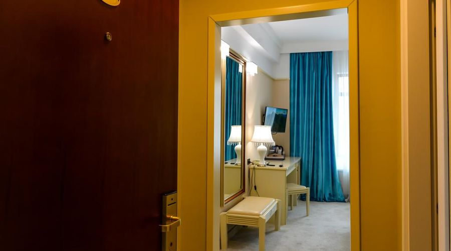 Phoenicia Grand Hotel-38 of 47 photos
