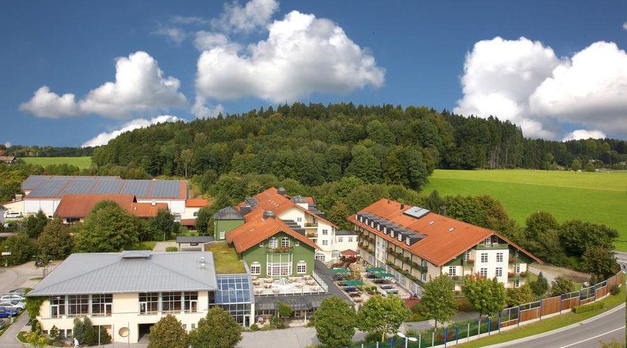Best Western Premier Bayerischer Hof Miesbach-1 of 34 photos
