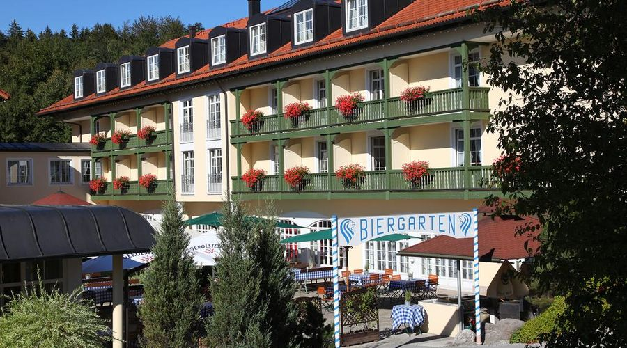 Best Western Premier Bayerischer Hof Miesbach-3 of 34 photos