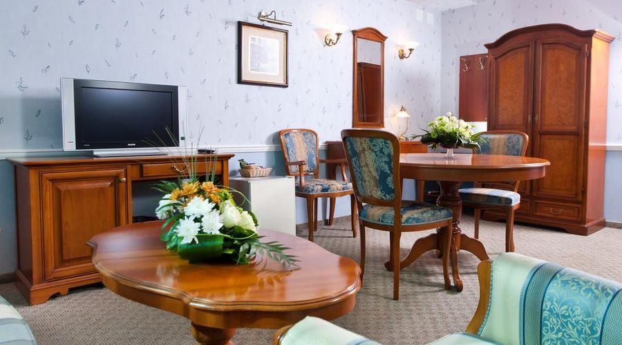 Don Plaza Congress Hotel-39 of 43 photos