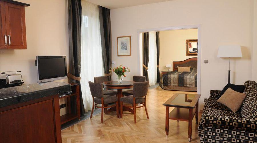 Hotel Elysee-2 of 26 photos