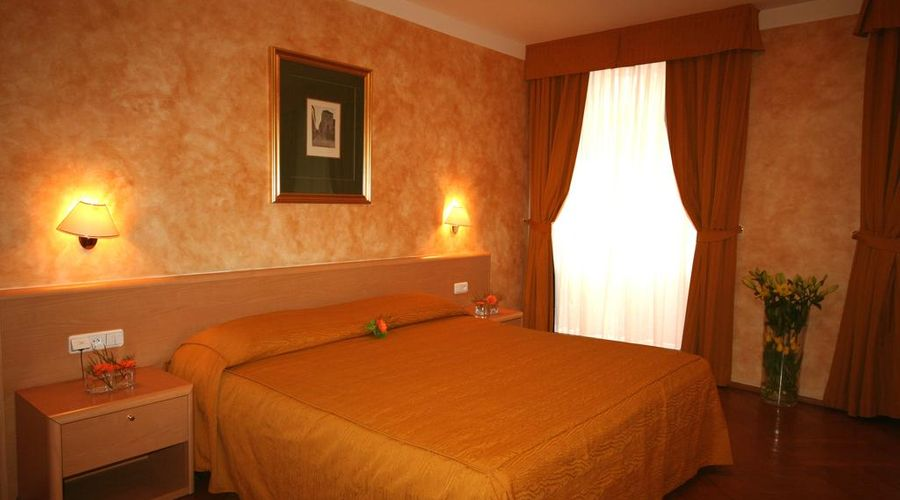 Hotel Roma Prague-16 of 36 photos