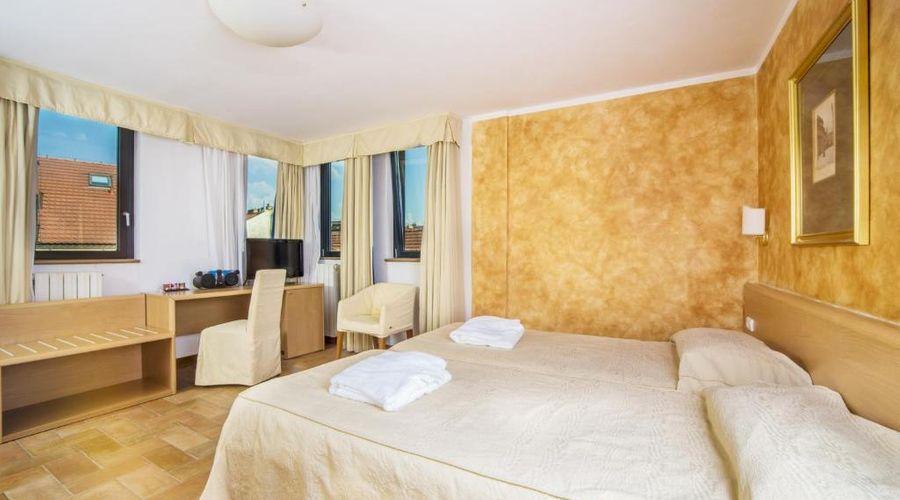 Hotel Roma Prague-17 of 36 photos