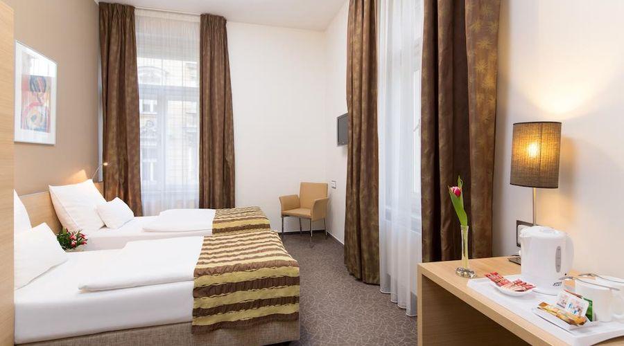 Hotel Pav-8 of 34 photos