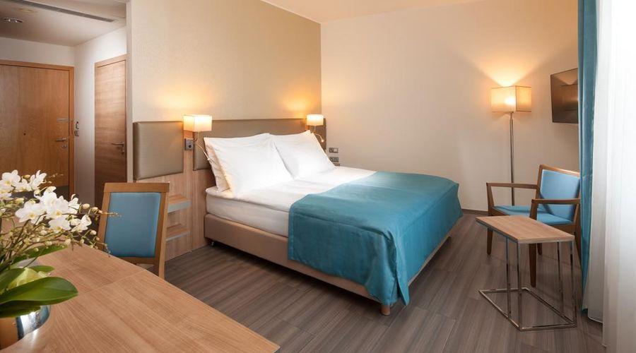 Holiday Inn Prague Congress Centre-27 of 29 photos
