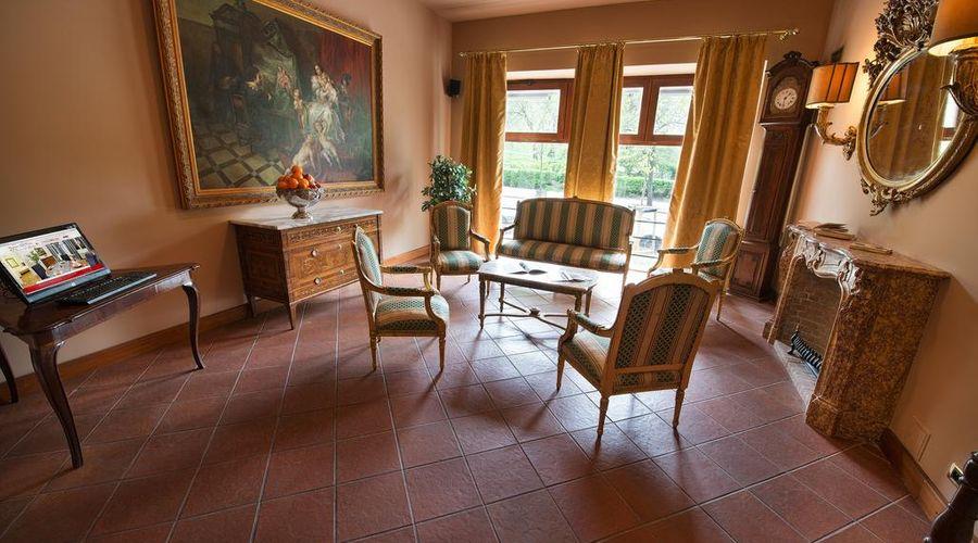 Residence La Fenice-8 of 38 photos