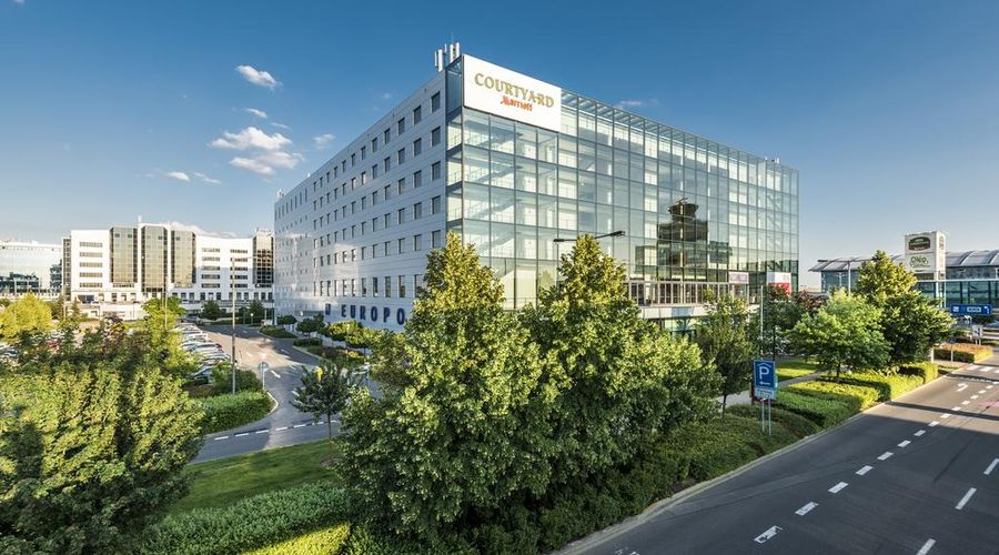 Courtyard by Marriott Prague Airport-2 of 47 photos