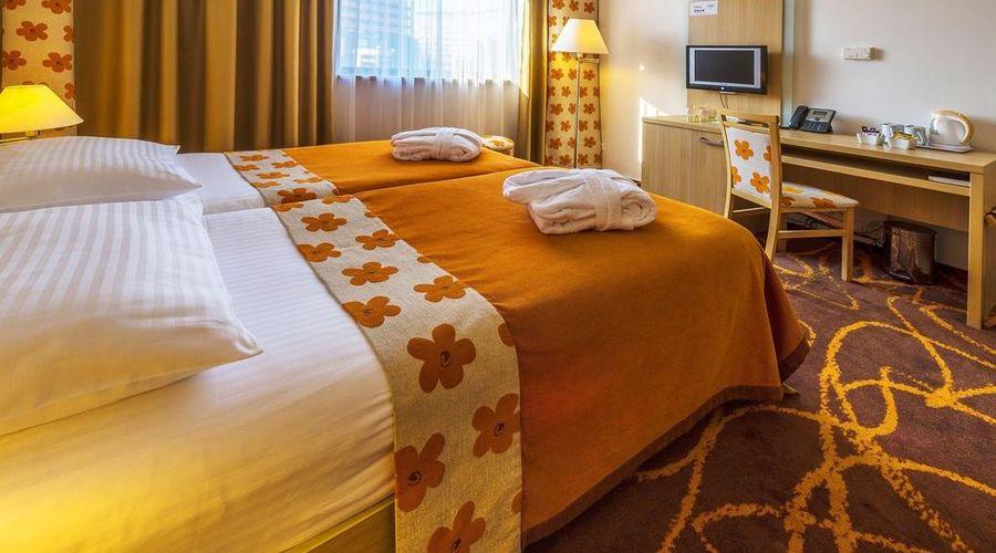 Iris Hotel Eden-10 of 45 photos