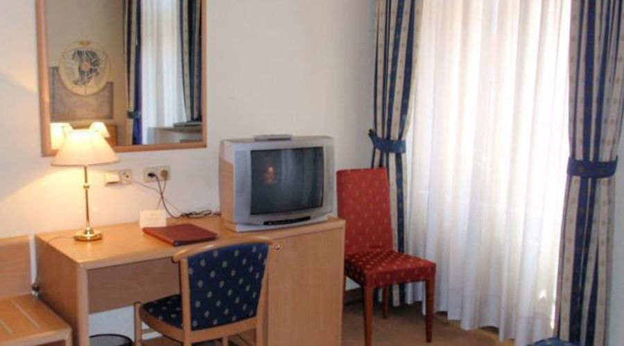 Hotel Tivoli Prague-16 of 25 photos