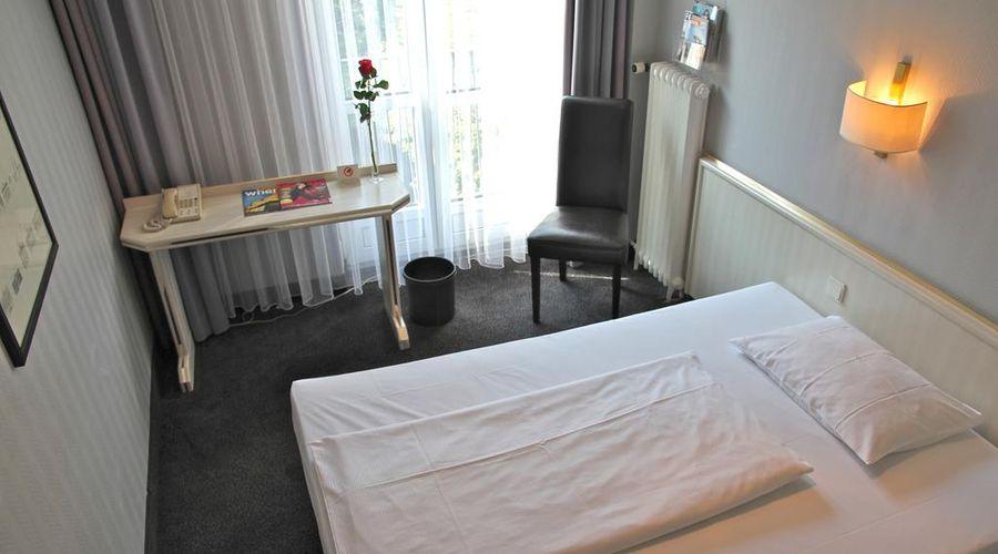 Berlin Plaza Hotel am Kurfürstendamm-15 of 46 photos
