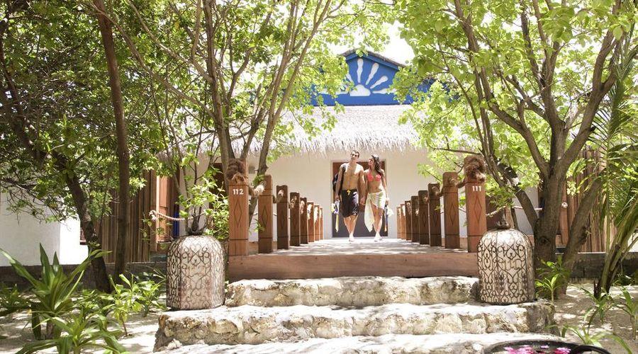Taj Coral Reef Resort & Spa Maldives-5 of 34 photos