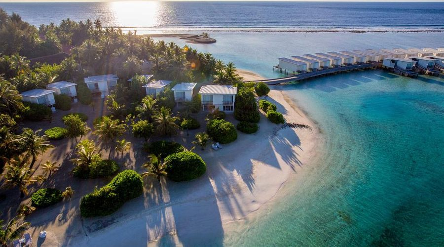 Holiday Inn Resort Kandooma Maldives-2 of 46 photos