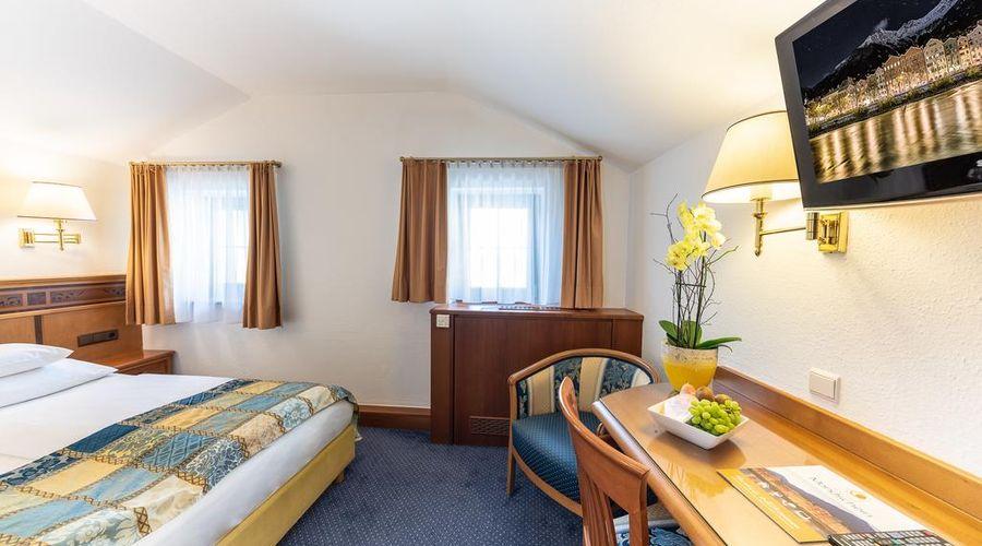 Hotel Mondschein-40 of 50 photos