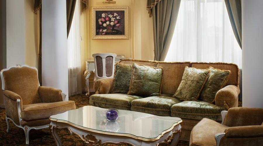 Hotel Volgograd-4 of 47 photos