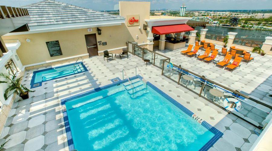 Ramada Plaza by Wyndham Orlando Resort Near Universal -8 of 30 photos