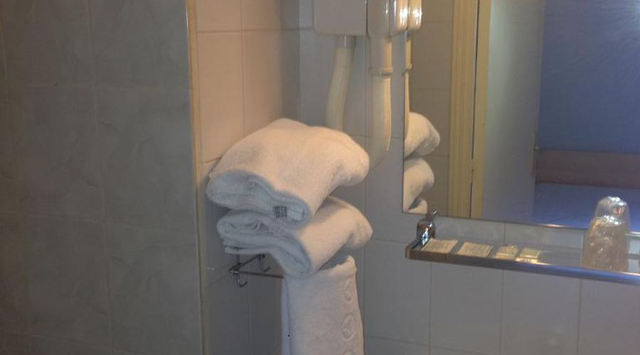 Hotel D'Anjou-16 of 27 photos