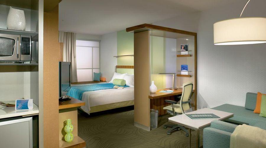 Fairfield Inn & Suites by Marriott Orlando at SeaWorld-14 of 29 photos