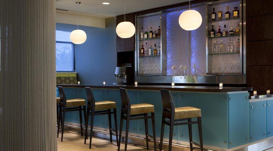 Fairfield Inn & Suites by Marriott Orlando at SeaWorld-15 of 29 photos