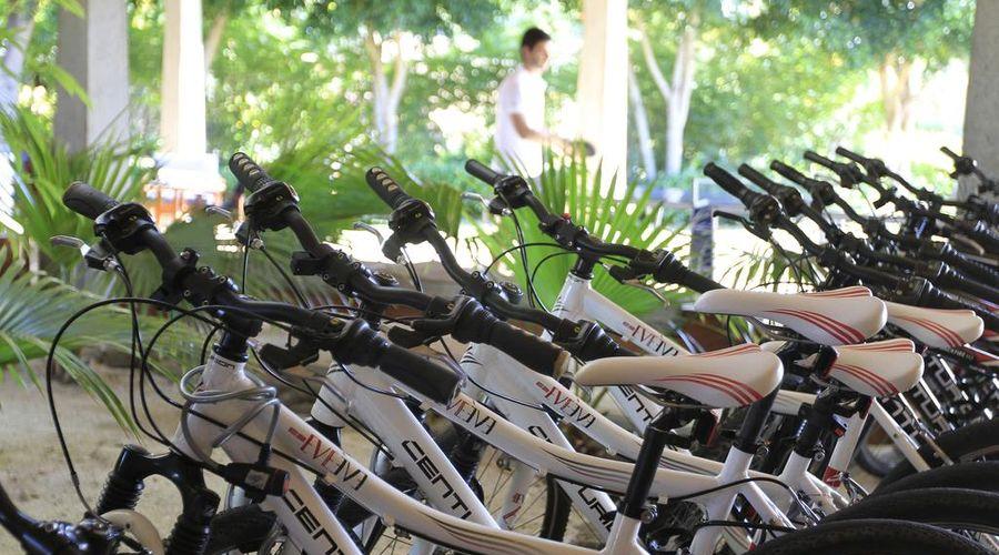 Maradiva Villas Resort & Spa-16 of 45 photos