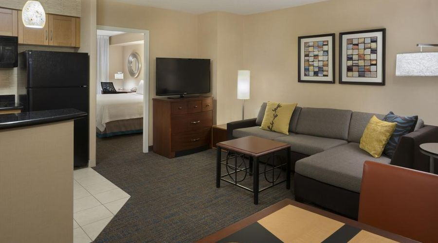 Residence Inn Toronto Downtown / Entertainment District-11 of 34 photos