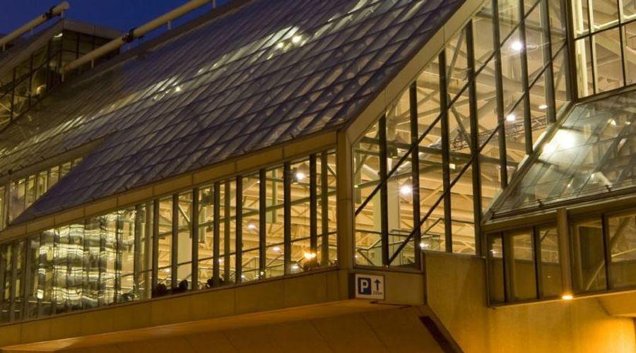Residence Inn Toronto Downtown / Entertainment District-27 of 34 photos