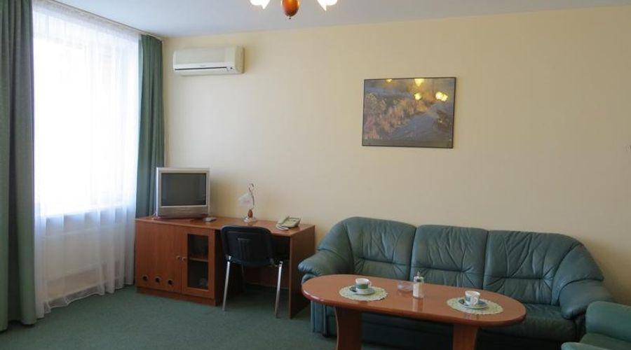 Korona Hotel-4 of 24 photos